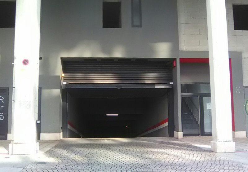 SE ALQUILA PLAZA DE GARAJE EN TEIXUGUEIRAS 27